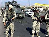 US soldiers at a checkpoint in Iraq