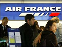 Air France travellers queuing