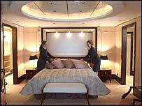 A luxury grand double suite on the Queen Mary 2