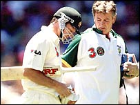 Steve Waugh recieves treatment from physio Erroll Alcott