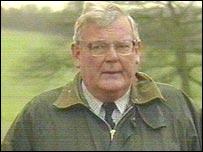 Mr Robin Baker White