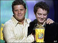 Sean Astin and Elijah Wood