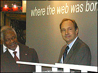Sir Tim Berners-Lee (right) with UN Secretary General Kofi Annan (left)