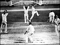 Ian Meckiff is run out at Brisbane in 1960
