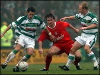 Vladimir Smicer is crowded out by Nick Crittenden and Darren Way
