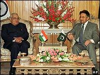 Indian and Pakistani leaders at Saarc summit