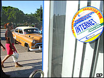 Cubas licensed internet terminals are meant only for tourists