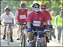 Cyclists on the 2003 London to Brighton ride