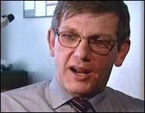 Dr Dick van Velzen
