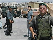Israel soldier at Kalandia checkpoint