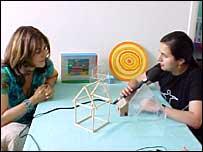 Corinne Zacca (izquierda) y Fabiana Barrera (derecha)