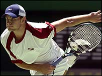 Top seed Andy Roddick had little trouble reaching round three
