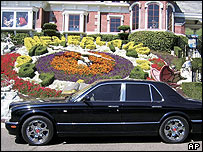 Jackson parked his Bentley at his Neverland ranch