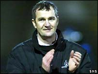 Edinburgh coach Frank Hadden applauds his players