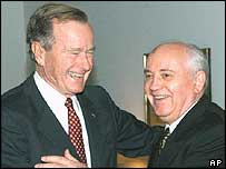 George Bush senior and Mikhail Gorbachev in Berlin in 1999