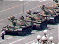 Tiananmen Square protester faces tanks, June 1989