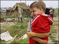 Дети в лагере чеченских беженцев