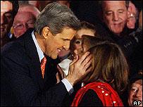 John Kerry, precandidato demócrata y su esposa Teresa.