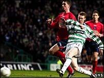 Stephen Pearson puts Celtic 4-0 ahead