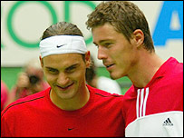 Roger Federer (left) and Marat Safin