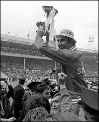 Bob Stokoe with the FA cup