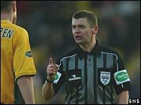 Referee Stuart Dougal