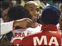 Frederic Kanoute celebrates with his Mali team-mates