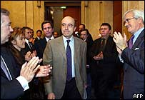 Alain Juppe applauded by UMP MPs on Tuesday