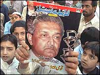 Supporters of Mr AQ Khan prior to his confession