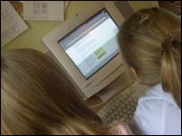 Warnings about the dangers of net chatrooms are not getting through to some children