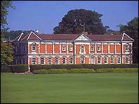Winchester College (pic courtesy of freefoto.com)