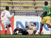 Pascal Feindouno scores Guinea's early opener