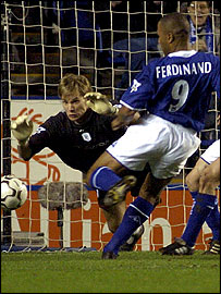 Bolton's Jussi Jaaskelainen is unable to save a shot from Leicester City's Les Ferdinad