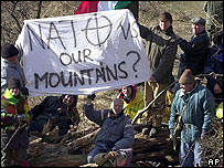 Protests on the mountain