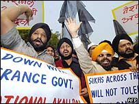 Sikhs demonstrate in Delhi