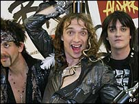The Darkness (Justin Hawkins centre)