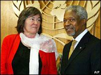 Clare Short y Kofi Annan