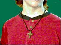 ...y cruces cristianas.