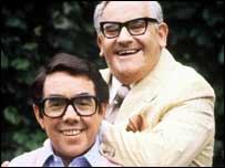 Ronnie Corbett (l) and Ronnie Barker (r)