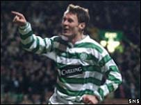 Chris Sutton celebrates Celtic's second goal