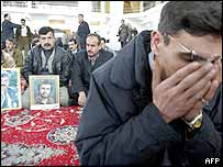 Kurds mourning the victims of suicide bombers