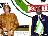 Libyan leader Muammar Gaddafi and Mozambique President Joaquim Chissano