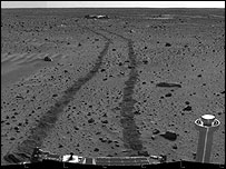 Spirit tracks on Gusev Crater, Nasa
