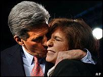 John Kerry kisses his wife Teresa Heinz Kerry