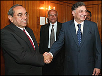 Foreign secretaries Shashank (left) and Riaz Khokhar in Islamabad in Febuary 2004