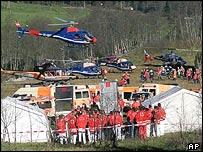 Rescue workers in Kaprun