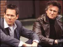 Kevin Bacon y Sean Penn, en