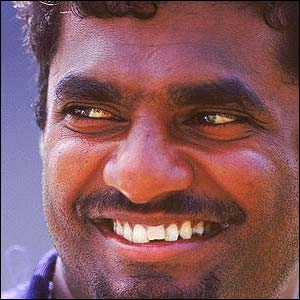 Muralitharan is crowned Wisden cricketer of the year 1999