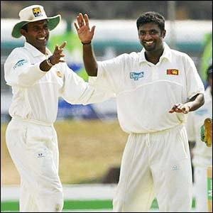 Muralitharan dismisses Shane Warne to take his 496th Test wicket