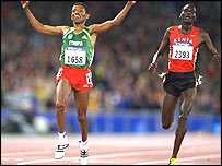 Haile Gebrselassie out-sprints Paul Tergat to win Olympic 10,000m gold in Sydney